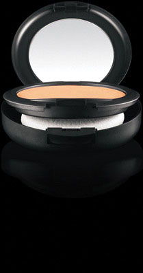 Base de Maquillaje en Polvo MAC Studio Fix NC55